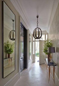 @CaesarstoneUS #Caesarstone #quartz #interiordesign #hallway #hallwaydecor #homedecor #modernhome #kitchen #bath