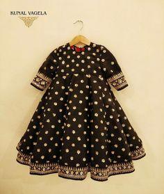 15 Ideas dress designer indian for kids for 2019 Indian Dresses For Girls, Kids Indian Wear, Kids Ethnic Wear, Wedding Dresses For Kids, Baby Girl Party Dresses, Little Girl Dresses, Girls Dresses, Kids Dress Indian, Baby Dress Design