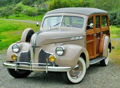 1940 Pontiac Silver Streak Special Six Series Eighty-Passenger Station Wagon Auto Retro, Retro Cars, American Classic Cars, Classic Trucks, Station Wagon, Buick, Lamborghini, Ferrari, Bugatti