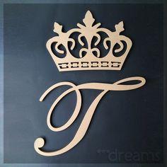 Coroa + Letra em MDF (sem pintura) Calligraphy Fonts Alphabet, Hand Lettering Alphabet, Alphabet Art, Love Quotes Wallpaper, Name Wallpaper, Flower Wallpaper, Disney Princess Coloring Pages, Disney Princess Colors, Cute Letters