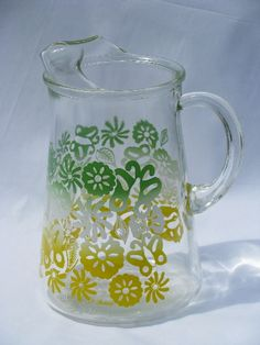 Photo of vintage swanky swigs glass pitcher, green/white/yellow shaded flowers #1