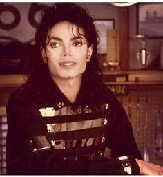 Michael Jackson~ Excellent photograph of Michael!