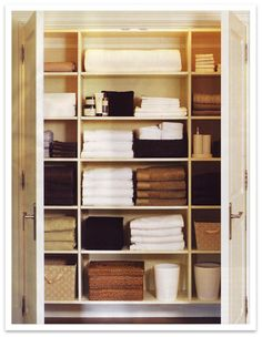 Organized Linen Closet - wish I had one this big!