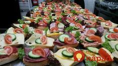 Sandwiches for a company - Foto di Haus . Pizza Snacks, Snacks Für Party, Sandwiches, Party Finger Foods, Party Buffet, Dory, Catering, Sushi, Food Porn