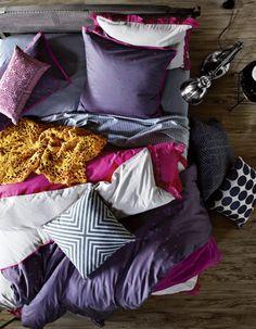 aura-purple-magenta-bedding