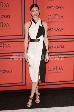米ニューヨークのリンカーン・センター(Lincoln Center)で開催された2013年「CFDAファッション賞(CFDA Fashion Awards)」の授賞式に出席したモデルのヒラリー・ローダ(Hilary Rhoda、2013年6月3日撮影)。(c)AFP/Getty Images/Andrew H. Walker ▼6Jun2013AFP|「CFDAファッション賞」授賞式、華やかな来場ゲストをチェック http://www.afpbb.com/articles/-/2947885 #Hilary_Rhoda