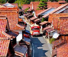 日本で気軽にタイムスリップ!一度は行ってみたい国内の伝統的な街並み10選 1枚目の画像