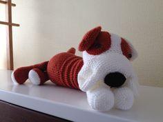Bulldog. JeanieHugs. Koop de knuffel of het patroon via JeanieHugs, kijk op de fb pagina of jeaniehugs.blogspot.be