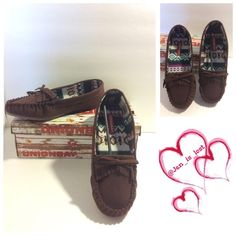 UnionBay Moccasins 8M -Sizing: 8M True to size. - Color Mahogany   - Moc toe - Fringe and bow accent on vamp - Scalloped trim - Slip-on Materials: Synthetic upper, rubber sole Unionbay Shoes Moccasins