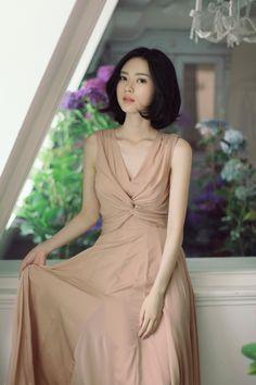 Yoon Sun Young, Fashion Models, Fashion Outfits, Beautiful Asian Women, Korean Model, Korean Outfits, Ulzzang Girl, Couture Dresses, Poses