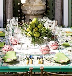 dining al fresco- would love this tile table and fountain for an atmospheric lunch, some melon with prosciutto, a bellini, salad and some gelato. Table Arrangements, Floral Arrangements, Table Setting Inspiration, Setting Table, Table Top Design, Enchanted Home, Beautiful Table Settings, Centerpieces, Table Decorations
