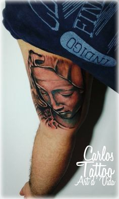 Santa, por tatuador Carlos Paranagua.