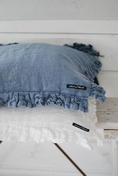 Trendy Hairstyles For Women Info: 5672223422 Linen Pillows, Linen Bedding, Bed Pillows, Denim And Lace, Blue Denim, Blue Jeans, Love Blue, Blue And White, Cute Curtains