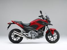 Honda NC700X Honda's NC700X, the newest addition to the Japanese manufacturer's line, is a crossover bike designed to give riders the best of both worlds. Highlighting efficiency while retaining sports performance, the motorcycle is equal parts commuter, street racer and weekend warrior. The bike is what you make of it—an open platform approach to transportation that is sensitive to rider demands.