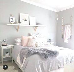 room makeover for kids 37 Cute Teen Bedroom Designs In Vintage Style Cute Teen Bedrooms, Teen Bedroom Designs, Room Ideas Bedroom, Home Bedroom, Bedroom Themes, Teen Bedroom Colors, Light Gray Bedroom, Design Bedroom, Vintage Teen Bedrooms