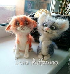 Needle felted cats. These two are adorable! By Inna Arifanova from Russia