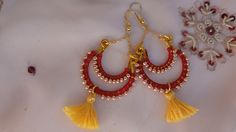 Boucles d'oreilles bollywood collection Holi rouge et or : Boucles d'oreille par bombay-cotons