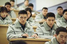 Hot-blooded police hopefuls Park Seo-joon and Kang Ha-neul in Midnight Runner Dramas, Kang Haneul, Oppa Gangnam Style, Handsome Korean Actors, Park Seo Jun, Seo Joon, Kdrama Actors, Girl Haircuts, Korean Star