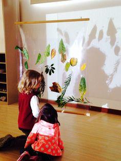 Reflection/shadow play using natural materials. Nido La Casa Amarilla