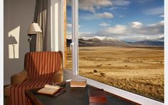EOLO - Patagonia's Spirit, Boutique Hotel and Gourmet restaurant in the countryside  El Calafate - Santa Cruz, offers an exceptional service in a beautiful property.