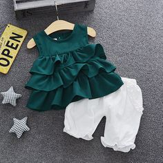 Baby Girl Ruffle Tank and Bloomers Set Kids Dress Wear, Kids Outfits Girls, Toddler Girl Dresses, Girl Outfits, Baby Girl Dress Patterns, Baby Clothes Patterns, Cute Baby Clothes, Sewing Patterns, Baby Frocks Designs
