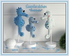 Amigurumi sea horses by Kristinas Art. (Pattern available to purchase).