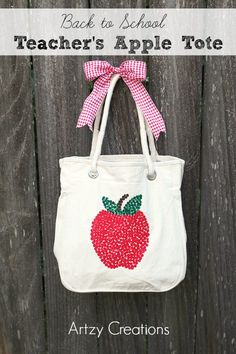 Make a cute Back to School Teacher's Apple Tote.  So easy! #crafts