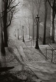 Les escaliers de Montmartre, París, 1930 Fotógrafo: Brassai, rumano, 1899 – 1984 http://www.indexarte.com.ar/artistas/20/-brassai.htm