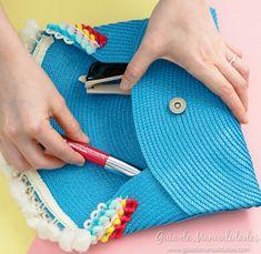 Cartera de mano sin costuras con un mantel individual - Guía de MANUALIDADES