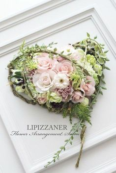 Gorgeous Flower Arrangement in a Frame ~ Awesome! Deco Floral, Arte Floral, Flower Boxes, Flower Frame, Funeral Flowers, Wedding Flowers, Dried Flowers, Paper Flowers, Funeral Floral Arrangements