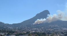 Signal Hill Fire: Wind continues to fan flames as blaze spreads Signal Hill, Cape Town, Spreads, Fire, Sandwich Spread