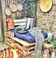 A cheap alternative to classic garden furniture are beer tables and benches whi Outdoor Garden Furniture, Lounge Furniture, Pallet Furniture, Furniture Decor, Modern Furniture, Small Balcony Decor, Classic Garden, Bohemian Interior, Decoration