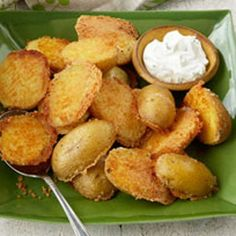 These are GREAT!!! I didn't have yukon golds, only red potatoes.  I sliced them 1/2 in thick and dip both sides in butter and then the parmesan/garlic powder mixture...and baked.  Easy and delicious!!!