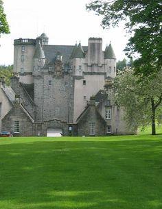 Castle Fraser, Kemnay - geograph.org.uk - 9858.jpg