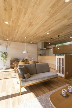 名古屋近郊で建てる自然素材の家 The Organic Factory 設計事務所 - miley Japanese Modern House, Japanese Living Rooms, Japanese Interior Design, Modern Home Interior Design, Home Room Design, Interior Architecture, Living Room Designs, House Design, Craftsman House Plans