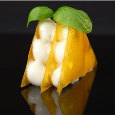 Mango croquet with coconut foam and basil - ferran adria