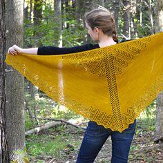 Shawl Knitting PATTERN PDF Knitted Shawl Pattern  por ApiaryKnits