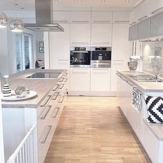 Love this. I'll learn to cook just to use this kitchen #thestyleluxe