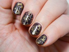 Manicura vintage estampada | The Digit-Al Dozen Does Vintage