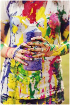 Love how her engagement ring stayed perfect Love Painting, Painting For Kids, Engagement Session, Engagement Photos, Princess Shot, Engagement Announcement Photos, Holi Photo, Paint Fight, Paint Photography