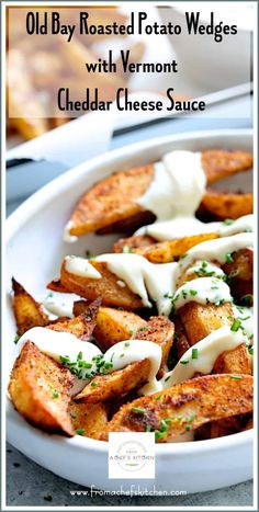 Old Bay Roasted Potato Wedges with Vermont Cheddar Cheese Sauce is a simplified New England twist on traditional Canadian poutine! Seasoned Potato Wedges, Roasted Potato Wedges, Roasted Potatoes, Wisconsin Cheese Curds, Cheddar Cheese Sauce, Cheddar Cheese Recipes, Potato Side Dishes, Tailgating Recipes, Game Day Food