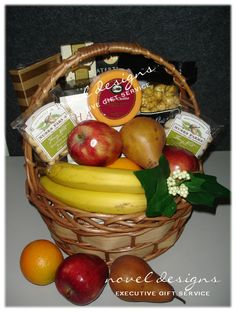 Fruit & Snack Las Vegas Amenity Gift Basket Corporate Gift Baskets, Corporate Gifts, Party Ideas, Gift Ideas, Fruit Snacks, Inexpensive Gift, Jar Gifts, Customized Gifts, Conference