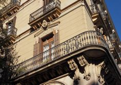 an edgy balcony from Carrer Comerç