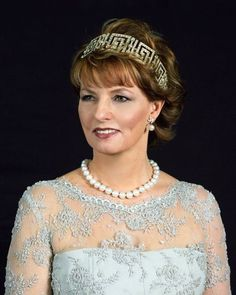 Crown Princess Margarita of Romania wearing the Greek Tiara given to Queen Helen (mother of the current King Michael) from Queen Marie of Romania. Royal Crown Jewels, Royal Crowns, Royal Tiaras, Royal Jewelry, Tiaras And Crowns, Jewellery, Romanian Royal Family, Romanian Flag, Elizabeth Ii