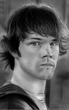 These photo-realistic pencil drawings are the work of creative artist from Germany. The work is so realistic that many people just can't believe his work is a real pencil drawing.