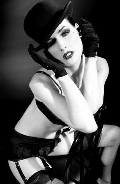 Dita Von Teese - such a sexy, confident, untamed woman ♥