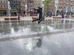 Zo blij zijn mensen met het #Haarlemmerplein. Kijk ook nog op (liken mag altijd) op http://www.facebook.com/haarlemmerbuurt