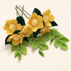 #рукоделие #творчество #своимируками #яхудожникятаквижу #хобби #фетр #цветыизфетра #felt #feltflowers #handmade #настроение