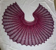 Thistle Shawl. Ravelry pattern -- this is lovely...the pattern is 5.00, which i will be willing to pay...next month. :)