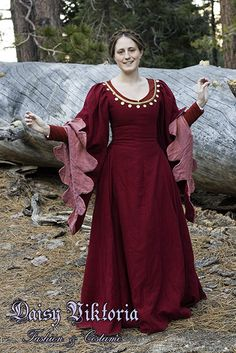 » 15th Century Red Wool Gown Faerie Queen Costuming